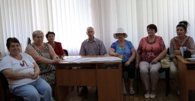 За отставку мэра Южноукраинска Виктора Пароконного собрано 5000 подписей, — от депутатов ждут решения (фото)  Подробнее читайте на Юж-Ньюз: http://xn----ktbex9eie.com.ua/archives/5345