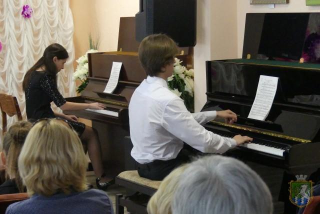 МОВА МУЗИКИ – ЦЕ МОВА СЕРЦЯ  Подробнее читайте на Юж-Ньюз: http://xn----ktbex9eie.com.ua/archives/6117