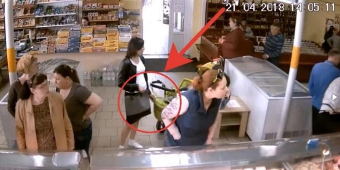 Как работают карманницы в одесском магазине. ВИДЕО Подробнее читайте на Юж-Ньюз: http://xn----ktbex9eie.com.ua/archives/5608