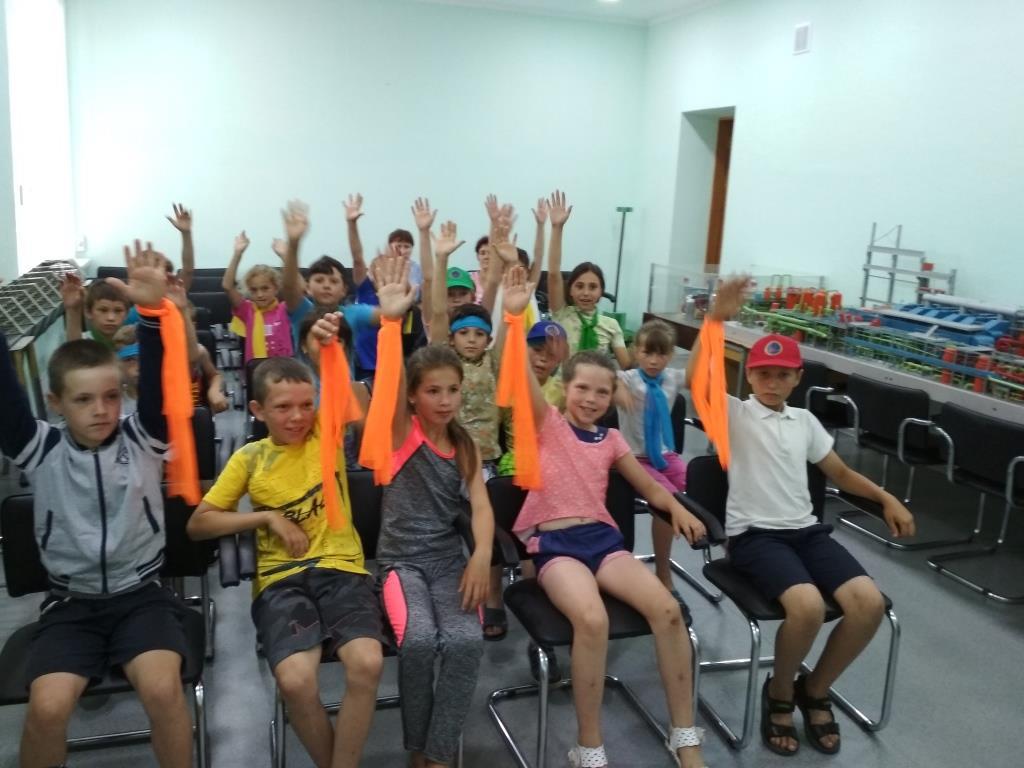 В информцентре ОП ЮУАЭС для детей из Еланецкого района провели экоквест. Фото  Подробнее читайте на Юж-Ньюз: http://xn----ktbex9eie.com.ua/archives/10525