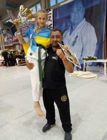 «Олимп» ОП ЮУАЭС Екатерина Серга стала серебряным призером Чемпионата Мира по киокушин карате  Подробнее читайте на Юж-Ньюз: http://xn----ktbex9eie.com.ua/archives/12077