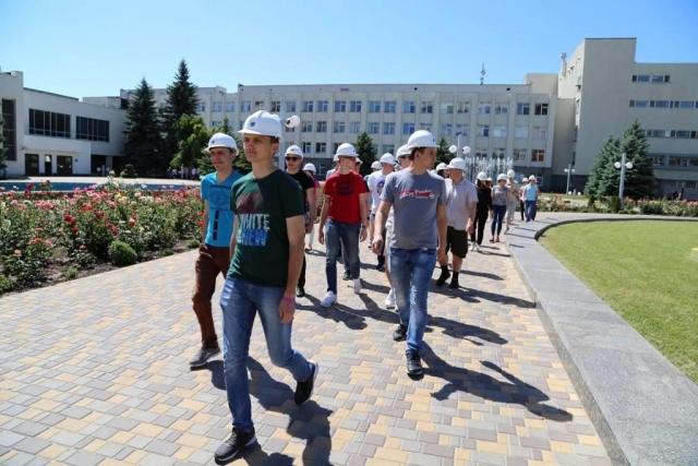 Южно-Украинский энергокомплекс посетили участники «Весенней школы» НАЭК «Энергоатом»  Подробнее читайте на Юж-Ньюз: http://xn----ktbex9eie.com.ua/archives/9306
