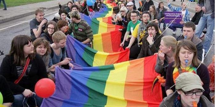 К участникам ЛГБТ марша КиевПрайд-2018 приставят 5000 полицейских Подробнее читайте на Юж-Ньюз: http://xn----ktbex9eie.com.ua/archives/10809