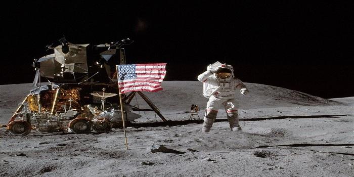 В США умер астронавт Алан Бин, который был на Луне Подробнее читайте на Юж-Ньюз: http://xn----ktbex9eie.com.ua/archives/8922