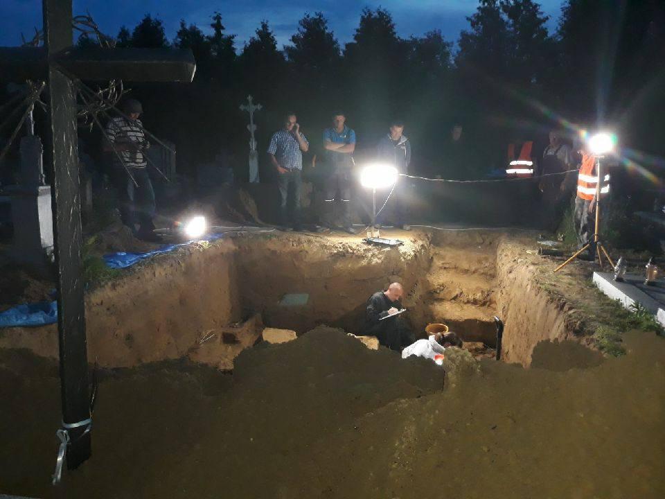 Снесенный мемориал УПА в Грушовичах может привести к новому витку «исторического» конфликта  Подробнее читайте на Юж-Ньюз: http://xn----ktbex9eie.com.ua/archives/9924