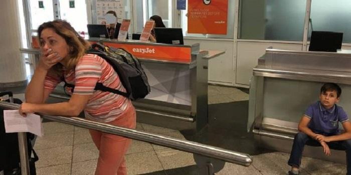 «Не было мест в салоне». Украинская авиакомпания выкинула с рейса семью с ребенком и билетами Подробнее читайте на Юж-Ньюз: http://xn----ktbex9eie.com.ua/archives/15094