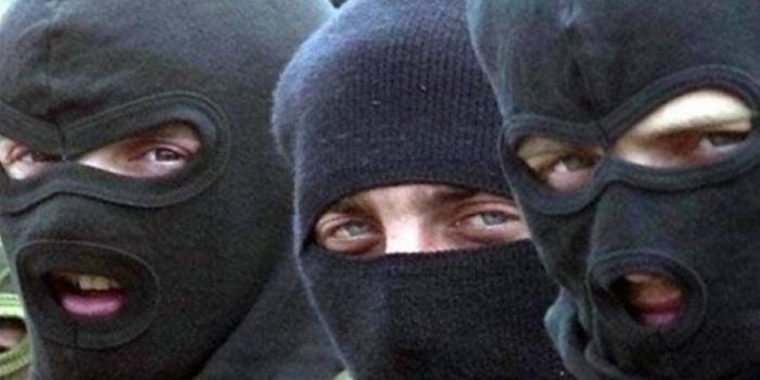 На Николаевщине четверо в масках связали и пытали пенсионера Подробнее читайте на Юж-Ньюз: http://xn----ktbex9eie.com.ua/archives/16052