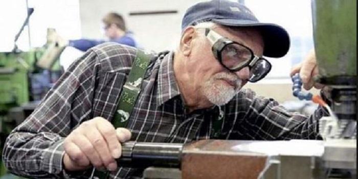 Работать до гробовой доски: украинцам изменят схему начисления пенсий Подробнее читайте на Юж-Ньюз: http://xn----ktbex9eie.com.ua/archives/16094
