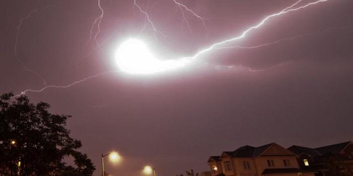 Эксперты предупреждают о появлении в августе в Николаевской области шаровых молний Подробнее читайте на Юж-Ньюз: http://xn----ktbex9eie.com.ua/archives/16271