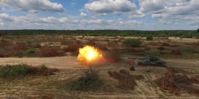 В Украине провели огневые испытания украинского танка после модернизации. ВИДЕО Подробнее читайте на Юж-Ньюз: http://xn----ktbex9eie.com.ua/archives/17763