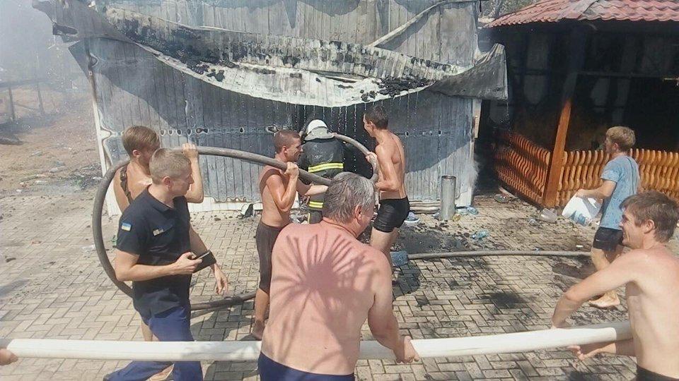 Взрыв на морской набережной в Коблево: есть пострадавшие (фото)  Подробнее читайте на Юж-Ньюз: http://xn----ktbex9eie.com.ua/archives/16432