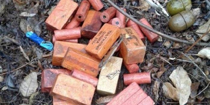 В Южноукраинске СБУ за незаконный оборот взрывчатки из зоны проведения ООС задержала экс-военнослужащего Подробнее читайте на Юж-Ньюз: http://xn----ktbex9eie.com.ua/archives/18701