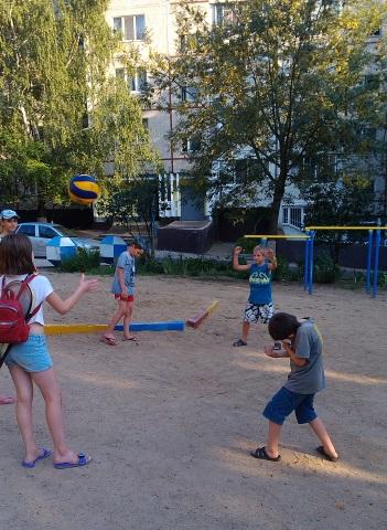 В Южноукраїнську працюють тренери двору. Графіки робіт Подробнее читайте на Юж-Ньюз: http://xn----ktbex9eie.com.ua/archives/16174