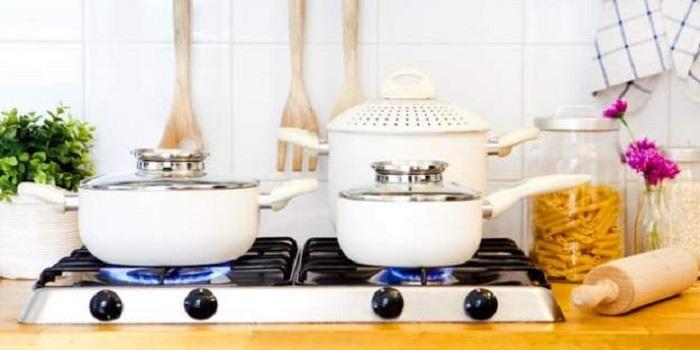 Яд в тарелке: выяснилась вся правда о популярном блюде украинцев Подробнее читайте на Юж-Ньюз: http://xn----ktbex9eie.com.ua/archives/16932