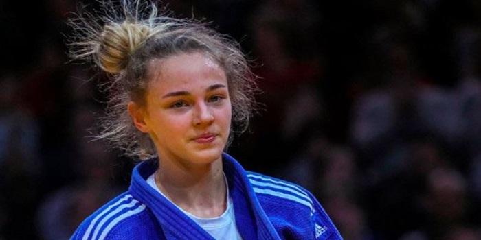 17-летняя Даша Белодед стала самой молодой чемпионкой мира по дзюдо: видео момента победы Подробнее читайте на Юж-Ньюз: http://xn----ktbex9eie.com.ua/archives/23254