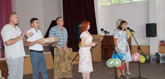 «Службе коммунального хозяйства» Южноукраинска уже 20!  Подробнее читайте на Юж-Ньюз: http://xn----ktbex9eie.com.ua/archives/20794