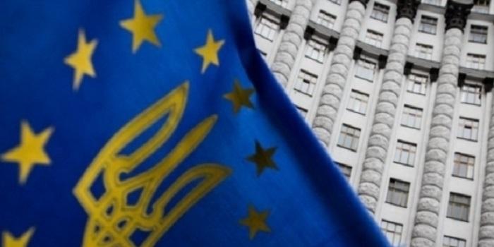 Украинцы рискуют в 60 лет остаться без пенсий: кому грозит и сколько придется заплатить Подробнее читайте на Юж-Ньюз: http://xn----ktbex9eie.com.ua/archives/23172