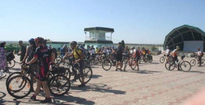 0 «Ровером по Гарду»: велосипедисти на Миколаївщині популяризують зелений туризм Подробнее читайте на Юж-Ньюз: http://xn----ktbex9eie.com.ua/archives/23685