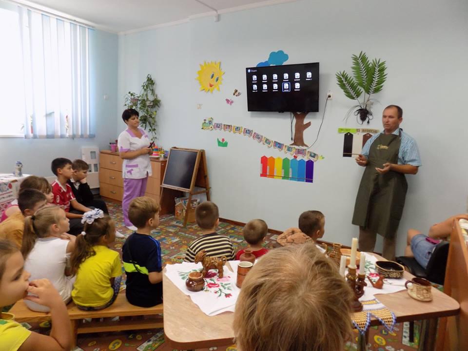 Южноукраїнськ — МАЙСТЕР-КЛАС З ГОНЧАРСТВА У ВІДДІЛЕННІ КОМПЛЕКСНОЇ РЕАБІЛІТАЦІЇ ДІТЕЙ З ІНВАЛІДНІСТЮ. ФОТО  Подробнее читайте на Юж-Ньюз: http://xn----ktbex9eie.com.ua/archives/22515