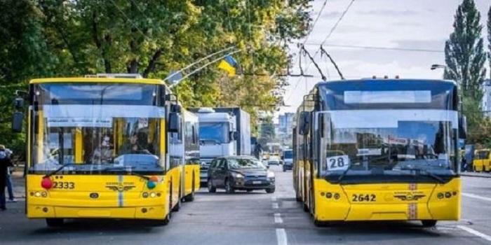 Парламент должен принять постановление по снижению стоимости проезда в электротранспорте, – Сергей Шахов Подробнее читайте на Юж-Ньюз: http://xn----ktbex9eie.com.ua/archives/22544