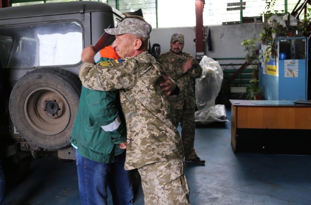 Южно-украинские атомщики передали военным очередную отремонтированную технику  Подробнее читайте на Юж-Ньюз: http://xn----ktbex9eie.com.ua/archives/21162