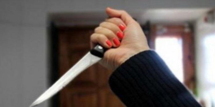 На Николаевщине 62-летняя женщина убила сына кухонным ножом Подробнее читайте на Юж-Ньюз: http://xn----ktbex9eie.com.ua/archives/24497
