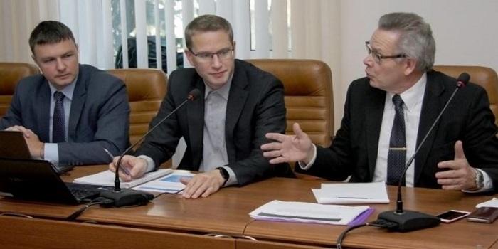 На ЮУАЭС подвели итоги реализации проекта по внедрению системы принудительного сброса давления из гермооболочки для энергоблоков №1 и №2 Подробнее читайте на Юж-Ньюз: http://xn----ktbex9eie.com.ua/archives/27067