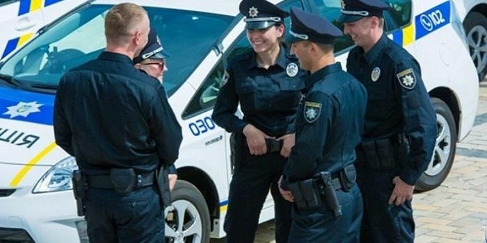 В Запорожье во время перестрелки было убито трое полицейских Подробнее читайте на Юж-Ньюз: http://xn----ktbex9eie.com.ua/archives/27459