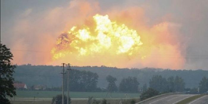 ЧП в Ичне: почему в стране постоянно взрываются склады боеприпасов? Пресс-конференция Подробнее читайте на Юж-Ньюз: http://xn----ktbex9eie.com.ua/archives/25412