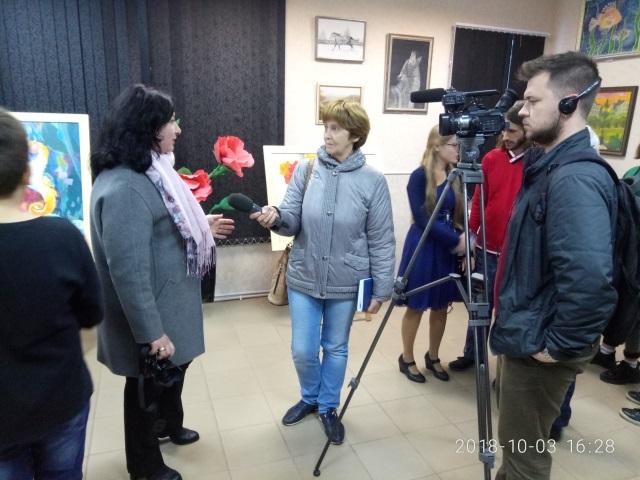 Южноукраїнськ — ПРЕЗЕНТАЦІЯ ВИСТАВКИ ВЛАСНИХ КАРТИН ВИКЛАДАЧА ДИТЯЧОЇ ШКОЛИ МИСТЕЦТВ АЛЬОНИ СКУЛЯР  Подробнее читайте на Юж-Ньюз: http://xn----ktbex9eie.com.ua/archives/24545