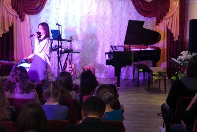 Южноукраїнськ — ВІДБУВСЯ КОНЦЕРТ, ПРИСВЯЧЕНИЙ МІЖНАРОДНОМУ ДНЮ МУЗИКИ — Фото, видео  Подробнее читайте на Юж-Ньюз: http://xn----ktbex9eie.com.ua/archives/24561