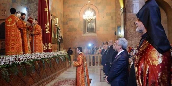 Армянская апостольская церковь не признает автокефалию Украины Подробнее читайте на Юж-Ньюз: http://xn----ktbex9eie.com.ua/archives/29736
