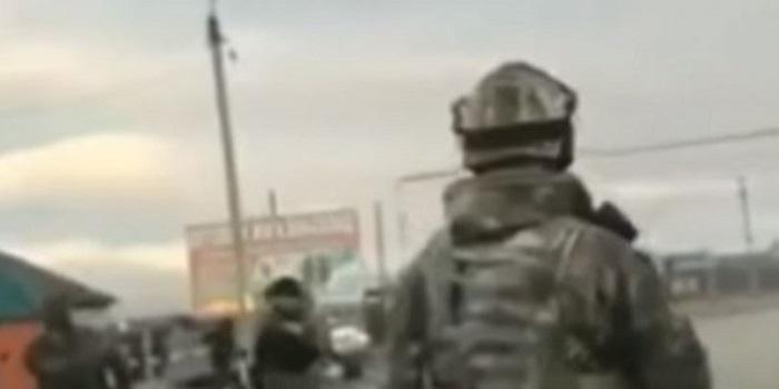 Смертница устроила взрыв на КПП в Чечне. ВИДЕО Подробнее читайте на Юж-Ньюз: http://xn----ktbex9eie.com.ua/archives/29758