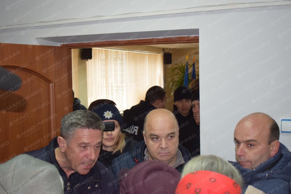 В блокировании доступа в сессионный зал в Южноукраинске принимали участие вознесенские депутаты Подробнее читайте на Юж-Ньюз: http://xn----ktbex9eie.com.ua/archives/30819