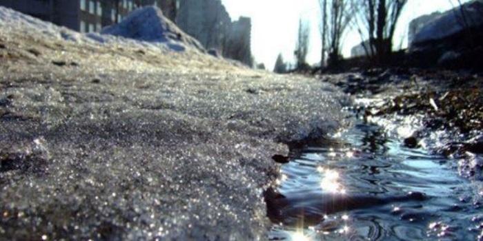 В понедельник в Украине начнется оттепель, а снегопад сменит гололедица Подробнее читайте на Юж-Ньюз: http://xn----ktbex9eie.com.ua/archives/31718