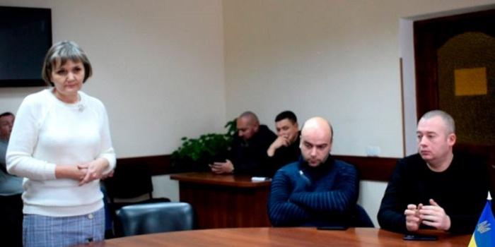 Депутати Южноукраїнської міської ради попередили начальників управлінь про відповідальність за неявку на бюджетну сесію Подробнее читайте на Юж-Ньюз: http://xn----ktbex9eie.com.ua/archives/34160