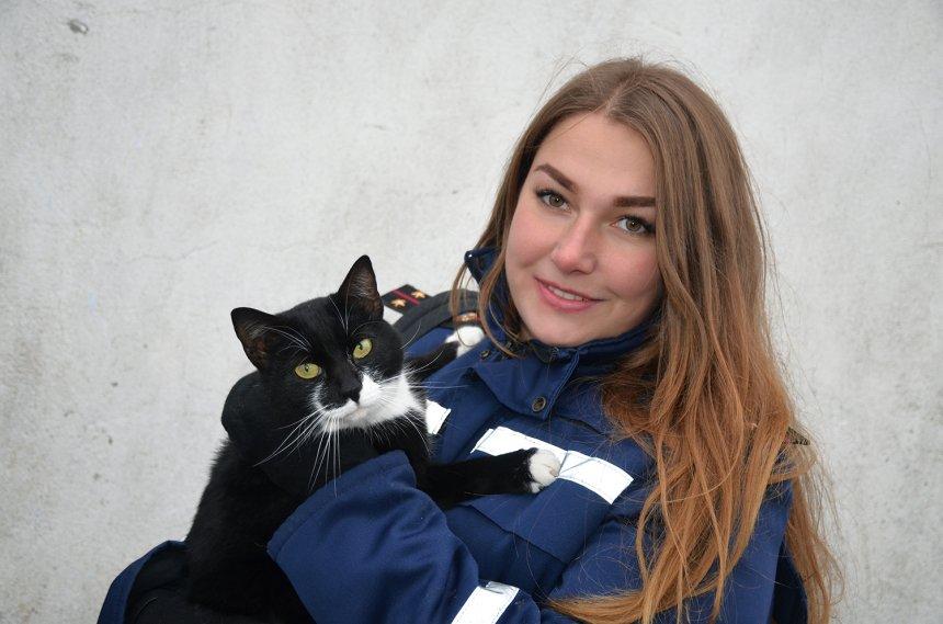 Николаевские спасатели фотографируются с воспитанниками приюта, чтобы найти им дом  Подробнее читайте на Юж-Ньюз: http://xn----ktbex9eie.com.ua/archives/32207