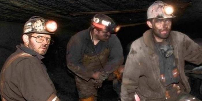 Львовские шахтеры устроили протест под землей Подробнее читайте на Юж-Ньюз: http://xn----ktbex9eie.com.ua/archives/32911