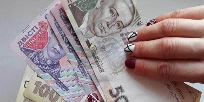 За год зарплаты украинцев увеличились на 20% Подробнее читайте на Юж-Ньюз: http://xn----ktbex9eie.com.ua/archives/38638