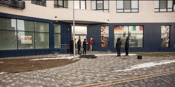 В Киеве девушка выпрыгнула с 23 этажа, оставив три записки Подробнее читайте на Юж-Ньюз: http://xn----ktbex9eie.com.ua/archives/35977