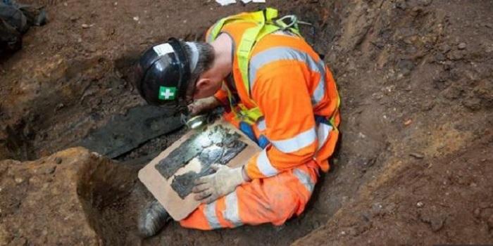 Обнаружена могила исследователя, давшего имя Австралии (видео) Подробнее читайте на Юж-Ньюз: http://xn----ktbex9eie.com.ua/archives/38294