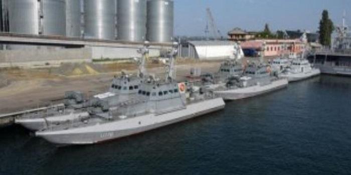 Украинские моряки вступили в бой с контрабандистами: видео Подробнее читайте на Юж-Ньюз: http://xn----ktbex9eie.com.ua/archives/35373