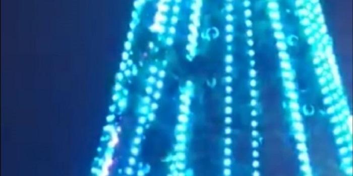 В Борисполе пьяный мужчина забрался на городскую елку Подробнее читайте на Юж-Ньюз: http://xn----ktbex9eie.com.ua/archives/35385