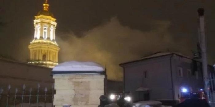 В Киеве задержали предполагаемого поджигателя Киево-Печерской лавры Подробнее читайте на Юж-Ньюз: http://xn----ktbex9eie.com.ua/archives/37070