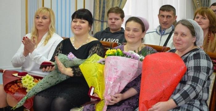 Матерям-героиням Николаевщины вручили удостоверения и нагрудные знаки Подробнее читайте на Юж-Ньюз: http://xn----ktbex9eie.com.ua/archives/38919