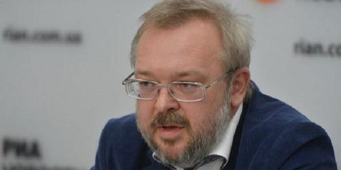 Андрей Ермолаев: «Все кандидаты от Юго-Востока должны сняться в пользу кандидата, имеющего шансы на победу». Видео Подробнее читайте на Юж-Ньюз: http://xn----ktbex9eie.com.ua/archives/37858