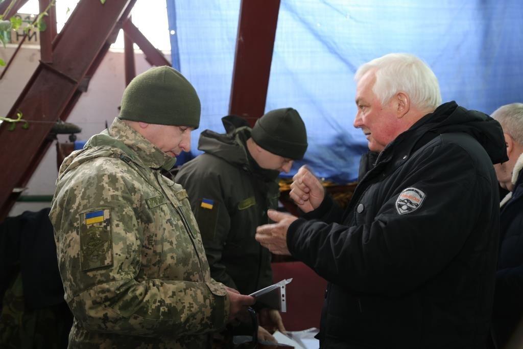 Коллектив автотранспортного хозяйства ОП ЮУАЭС передал военным первую в этом году партию отремонтированной техники Подробнее читайте на Юж-Ньюз: http://xn----ktbex9eie.com.ua/archives/38236