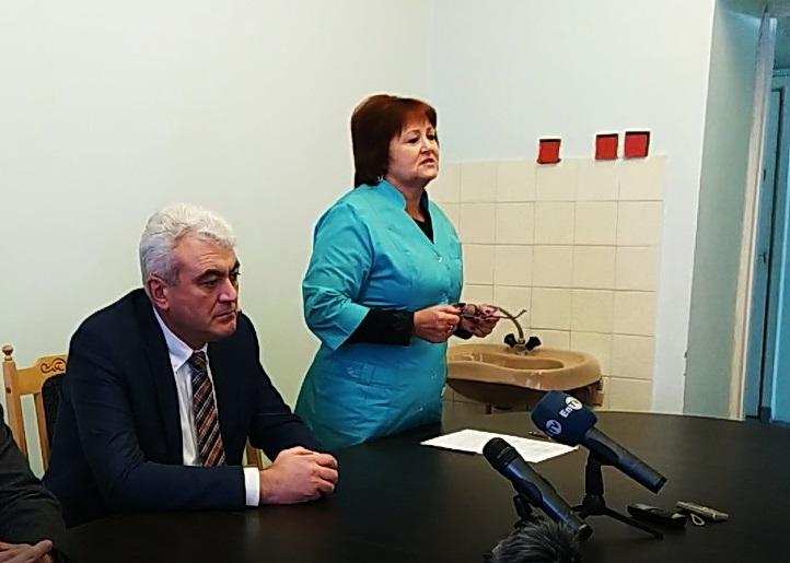 Зарплата у медсестри до 15 тисяч та нові авто: як живе Центр первинної допомоги в Енергодарі Подробнее читайте на Юж-Ньюз: http://xn----ktbex9eie.com.ua/archives/35799