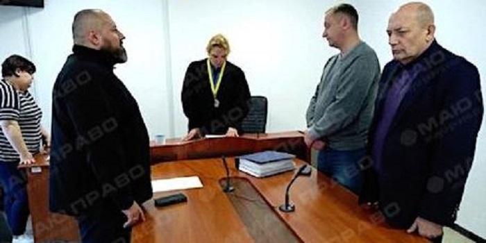 Суд восстановил Пароконного в должности Южноукраинского городского головы Подробнее читайте на Юж-Ньюз: http://xn----ktbex9eie.com.ua/archives/41615