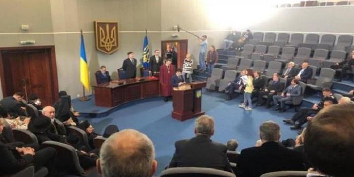 Зеленский отрепетировал инаугурацию на пост Президента Украины (фото) Подробнее читайте на Юж-Ньюз: http://xn----ktbex9eie.com.ua/archives/40423